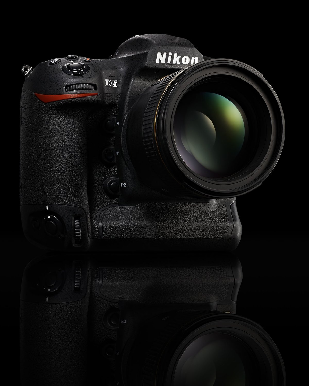 Nikon D5 + D500 = Red Dot Award: Product Design 2016