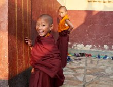 Young nuns from Tsoknyi Rinpoche nunnery, Kathmandu, Nepal, 2014. Photo © Olivier Adam