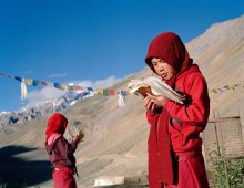 Memorizing Buddhist text, Yangchen Choeling nunnery, Spiti, India, 2015. Photo © Olivier Adam
