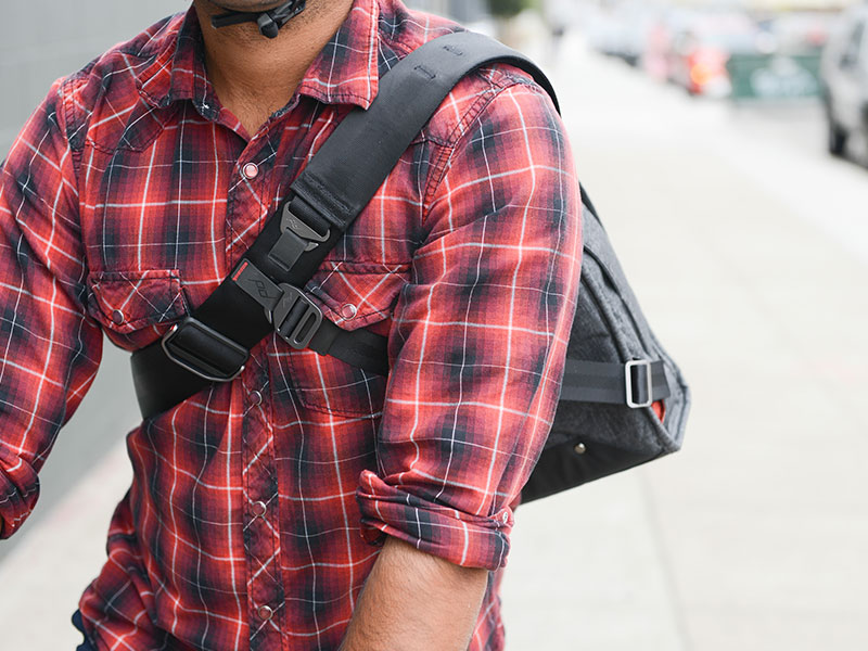 PEAK DESIGN The Everyday Messenger
