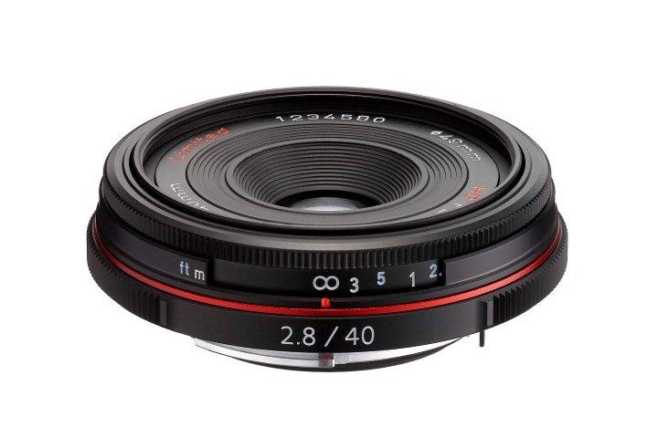 PENTAX 40 mm f/2,8 HD DA Ltd. černý