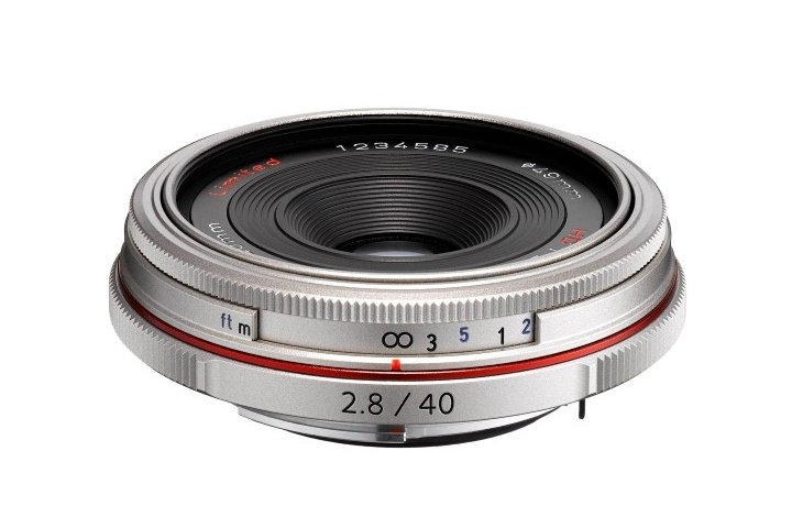 PENTAX 40 mm f/2,8 HD DA Ltd. stříbrný