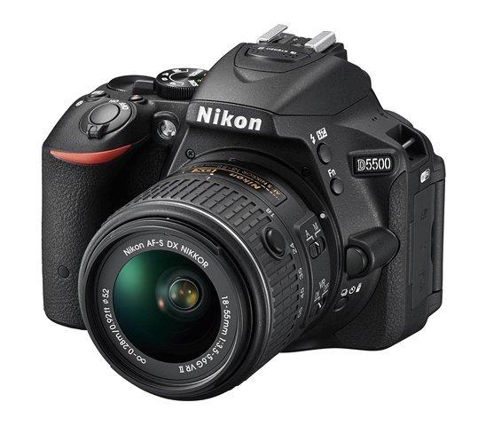 NIKON D5500 + 18-55 mm VR + Brašna Nikon Zdarma