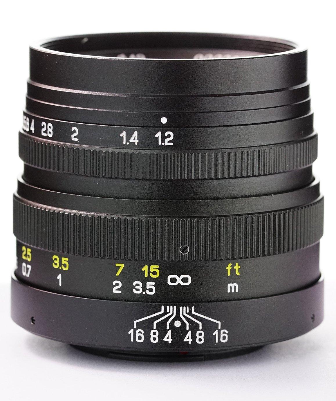 MITAKON 42,5 mm f/1,2 pro Olympus/Panasonic MFT