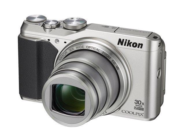 NIKON COOLPIX S9900 stříbrný + SDHC 8 GB