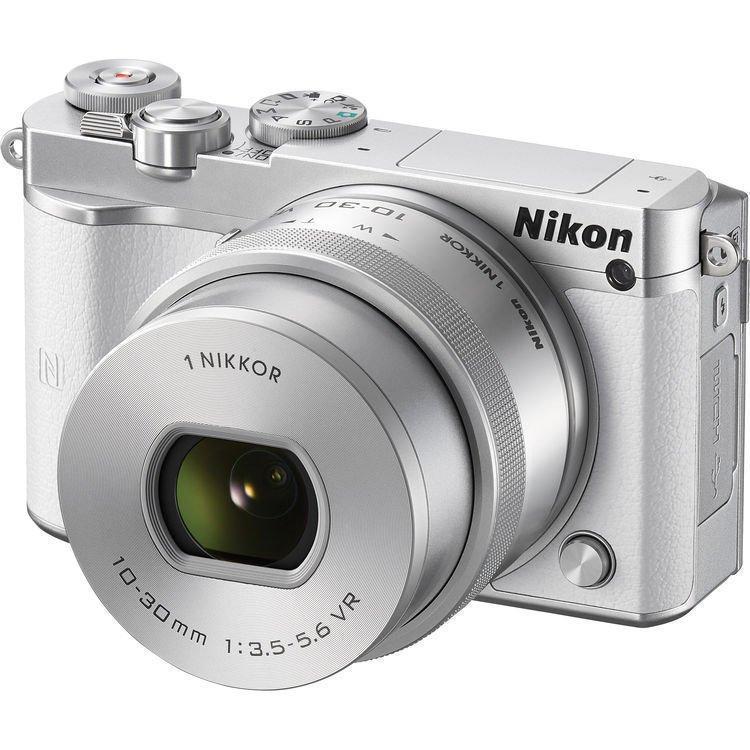 NIKON 1 J5 bílý + 10-30 mm VR PD-ZOOM