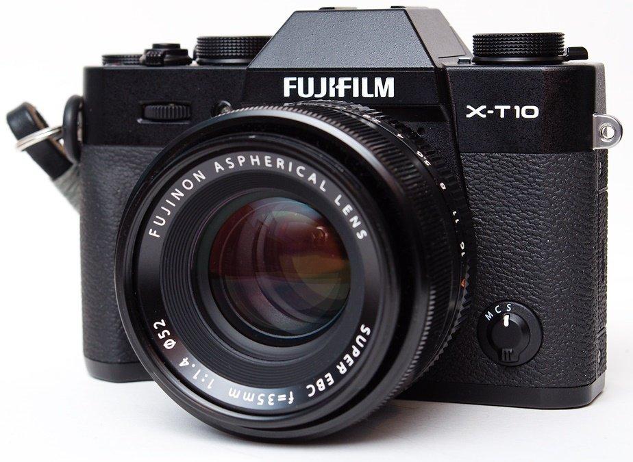 FUJIFILM X-T10 černý + XF 18-135 mm