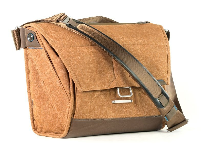 "PEAK DESIGN The Everyday Messenger 13"" - světle hnědá fotobrašna"