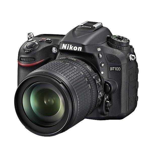 NIKON D7100 + 18-105 mm VR + 60/2,8 micro + SDHC 16 GB + získejte zpět 4050 Kč