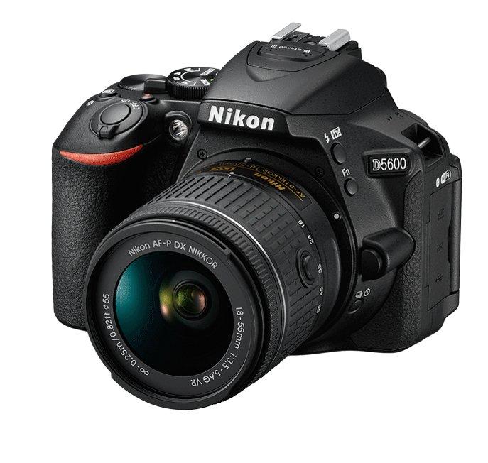NIKON D5600 + 18-55 AF-P VR KIT + Brašna Nikon Zdarma