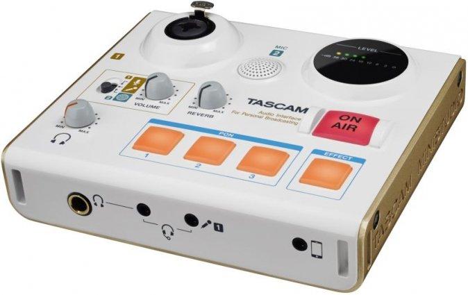 TASCAM US-32 MiniSTUDIO personal, vestavěný microfon