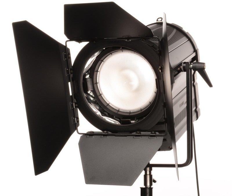 FOMEI LED WIFI 300F Fresnel - trvalé světlo