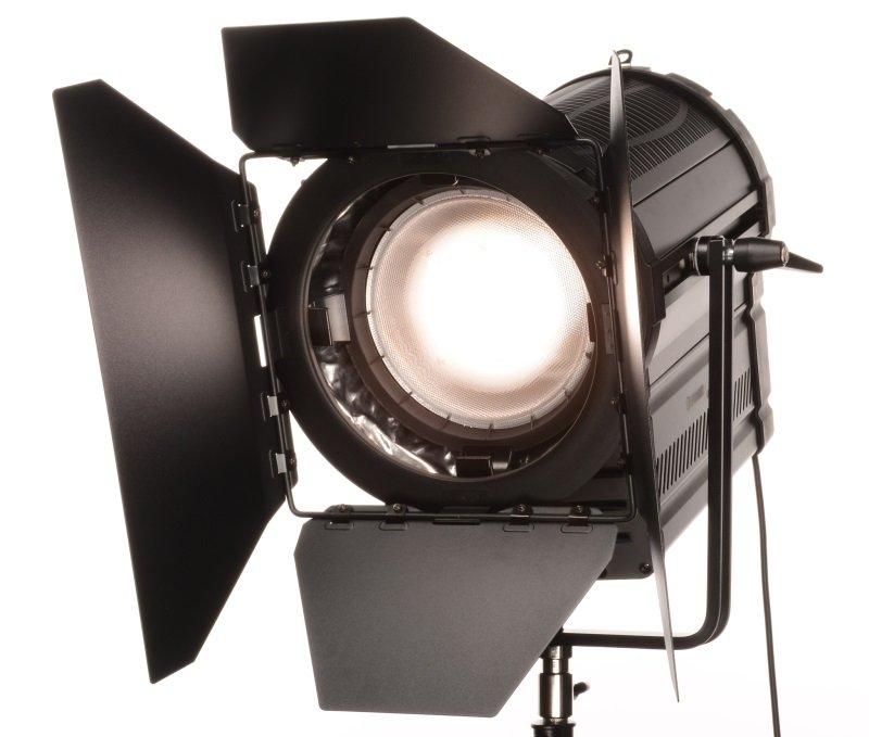 FOMEI LED WIFI 480F Fresnel - trvalé světlo