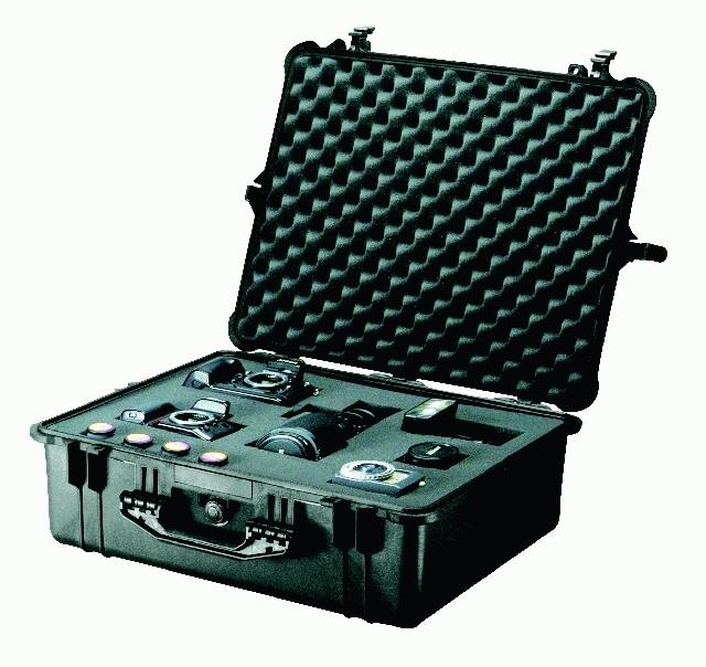 PELI CASE 1600 - vodotěsný kufr s pěnou